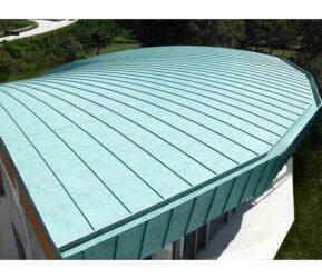acoperișuri metalice și fatade
